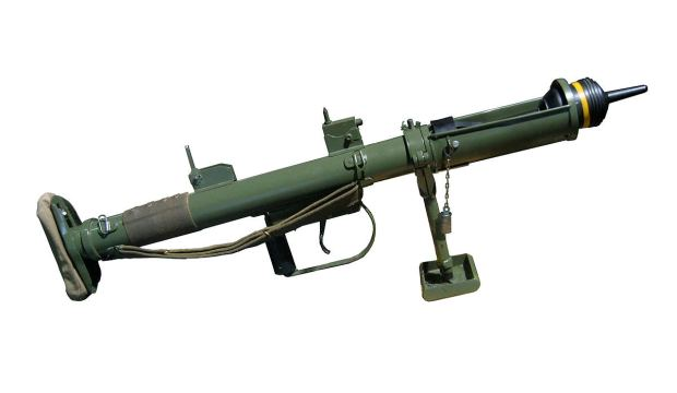 battlefield-v-bf5-armes-vehicules-gadgets-jouables-sortie-officielle-details-piat-image-01