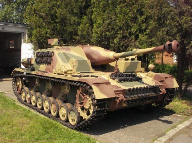 battlefield-v-bf5-chapitre-2-coups-de-foudre-apercu-contenu-details-sturmgeschutz-iv-stug-4-image-01